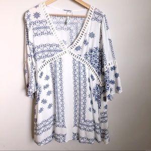 Andres blue & white bell-sleeve boho dress